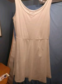 Brand new with tags white cotton dress New Westminster, V3M 4C8