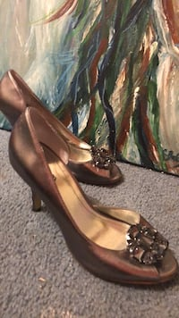 pair of brown leather peep-toe pumps Gaithersburg, 20882