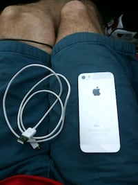 Iphone5s & charger Hapeville, 30354