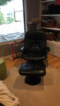 Black leather padded glider chair Coquitlam, V3K 3R9