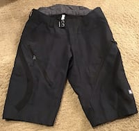 Racerface black men's shorts ( brand new ), pls slide to view other photos 3122 km