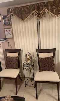 Two chairs for sale  Vaughan, L6A 3P3