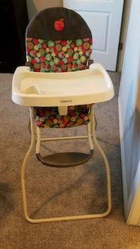 baby's white and green Cosco high chair El Paso, 79928