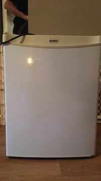 Mini fridge mint condition  Kingston, K7K 2A4