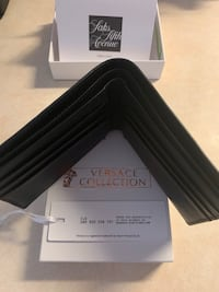Versace Collection 100% Authentic Leather Wallet card holder and 2 bill slots  Manassas, 20110