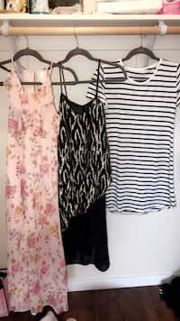 women's two assorted dresses White City, 97503
