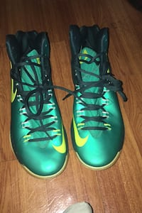 Kd basketball shoes size 11