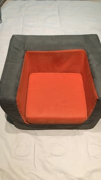 red and black pet bed Surrey, V3S 2E6
