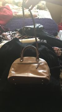 brown leather two way bag Dearborn Heights, 48125