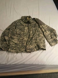 Army Field Jacket Large  Alexandria, 22304