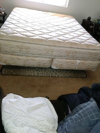 white and gray floral mattress Bakersfield, 93307