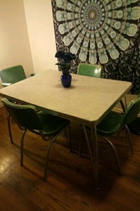 Vintage table 4 chairs