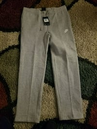 gray and Nike sweat pants mens Medium  Pueblo, 81005
