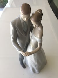 "LLADRO Collectible ""Together Forever"" (Spain) 2218 mi"