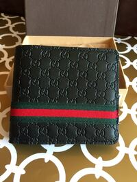 Gucci Wallet with Red/Green Strips in Case Mississauga, L4Z 4K5