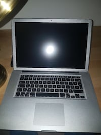 2009 MacBook Pro 15inch+ charger