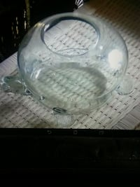 HAND BLOWN GLASS TURTLE OR FISH TANK.  South Woodslee, N0R 1V0