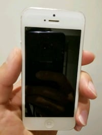 IPhone 5 unlocked Mississauga, L5K 1T5