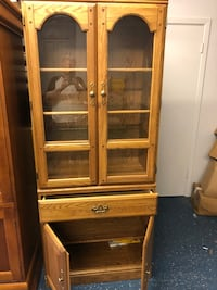 Oak China Cabinet with glass shelves and storage Baton Rouge, 70817