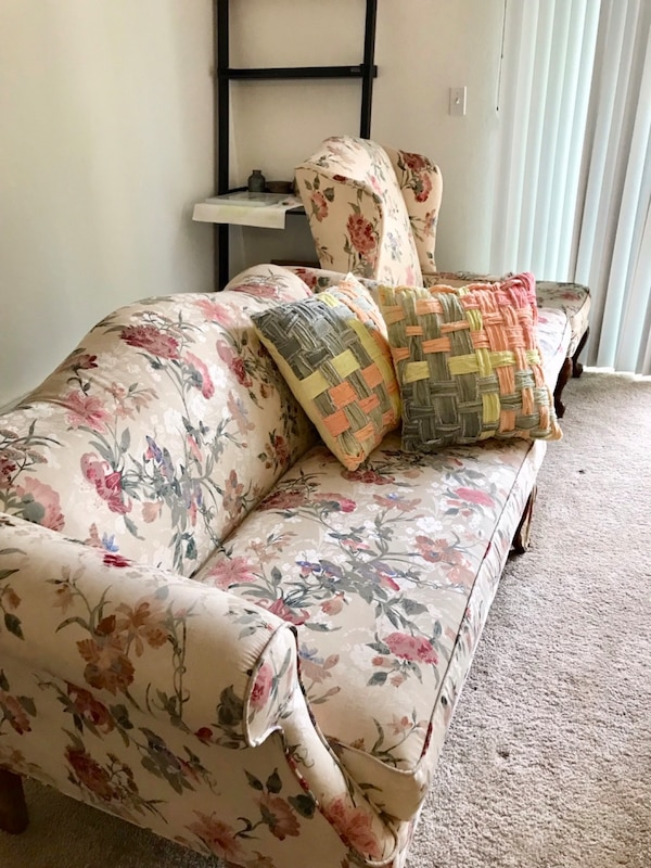 Cool Vintage Floral Sofa Set Gmtry Best Dining Table And Chair Ideas Images Gmtryco