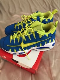 Size 7 Youth Nike Sneakers