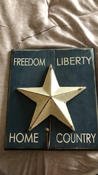 black and white Freedom Liberty star wall hook Aurora, 80016
