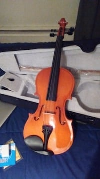 Amazing 4/4 Violin!!! NEW - $145 (PORT COQUITLAM) Port Coquitlam