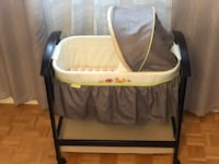 Summer Infant Classic Comfort Wood Bassinet Fox and Friends Vaughan, L4H