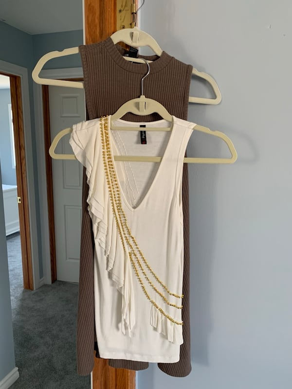 Closet clean out size S and Xs 2530858a-4d6a-4eed-a676-90536930648d