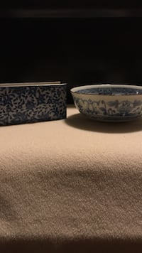 two white-and-blue ceramic bowls Conway, 29527