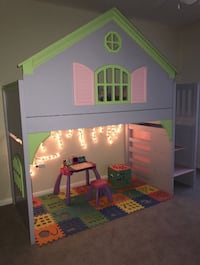 Dollhouse bunk bed Houston, 77040