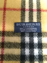 BURBERRY SCARF ORIGINAL 100%LAMBSWOOL  LIKE NEW Whitchurch-Stouffville, L4A 0J5