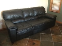 Awesome black leather couch Port Coquitlam, V3C 6B2