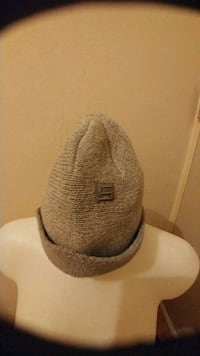Men's hats and scarves
