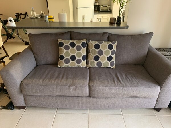 Super Used Rooms To Go Sleeper Sofa For Sale In Pembroke Pines Letgo Ncnpc Chair Design For Home Ncnpcorg