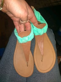 Maurice's thong sandals size 10 Jacksonville, 72076