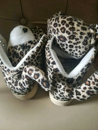 white-and-black leopard print boots Queens, 11427