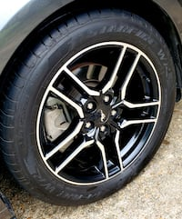 2018 Ford Mustang wheels (Good Condition) League City