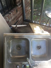 Stainless steel sink, great cond