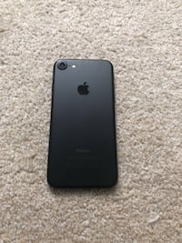iphone 7 *Factory unlocked *like new *30 days warranty Springfield, 22150