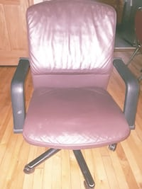 purple and black leather padded rolling armchair Minneapolis, 55421