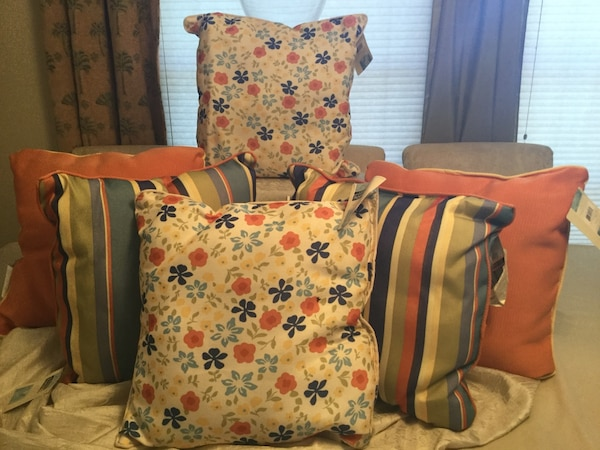 Used Indoor Outdoor Throw Pillows For Sale In Cape Coral Letgo