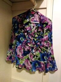 Sunny Leigh Floral Pattern Blouse Size Small Selah, 98942