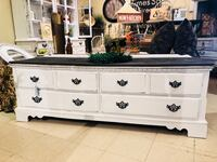 Farmhouse tv stand  Canby, 97013