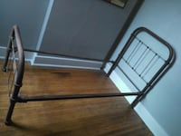 Antique twin bed frame - iron Chicago, 60611