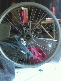 black and red bicycle wheel Bakersfield, 93305