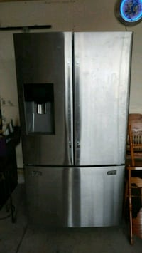 stainless steel french door refrigerator Saskatoon, S7S 1M1