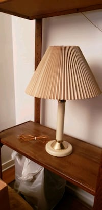 Table lamp Downers Grove, 60515