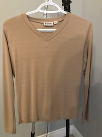 Women's beige v-neck size small Vaughan, L6A 4C2
