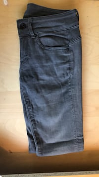 Midge jeans 25 inch width 30 inch length Concord, 94520